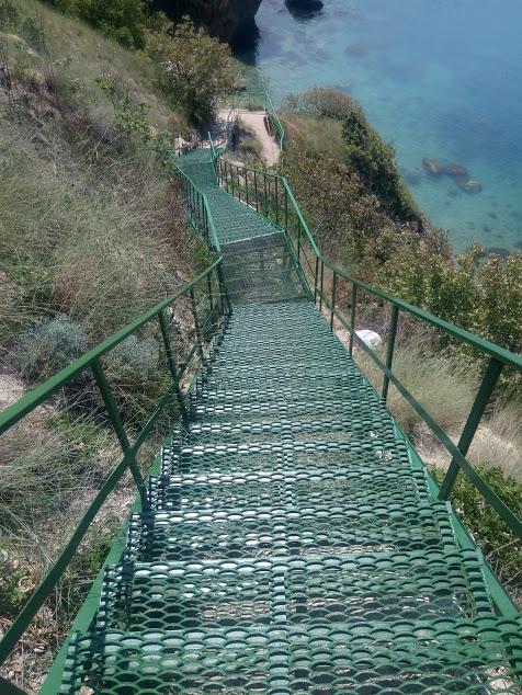 лестница спуск к морю в кринице фото нашу эпоху
